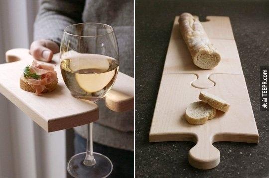 7.拼圖式砧板,在分離時還可以當作紅酒架喔!
