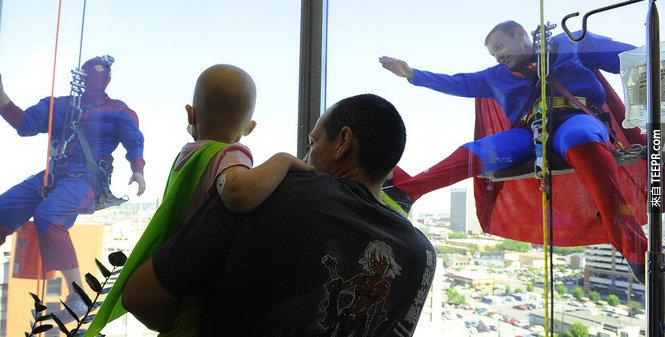 什麼樣的窗戶一定要超級英雄才可以洗?我看了之後好感動!
