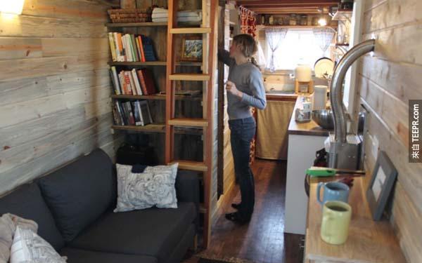 屋子里的空间很舒适惬意,空间对2个人来说也很足够。