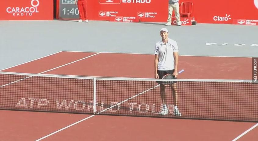 網球選手dudi-sela用最爆笑的方式祝賀ivo-karlovic