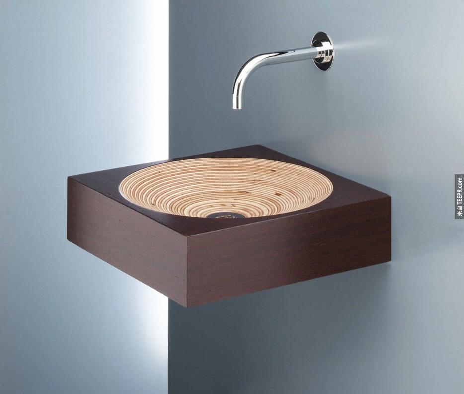 較為摩登的木頭洗手台。
