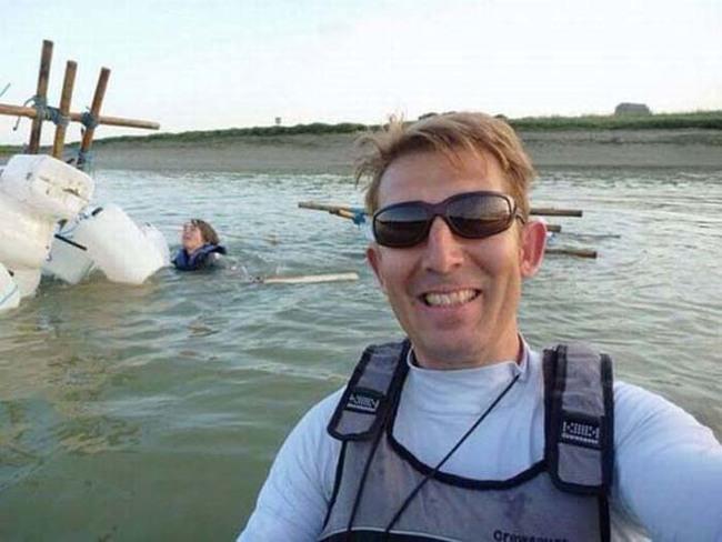 22.) LOL, sinking boat? Selfie time.
