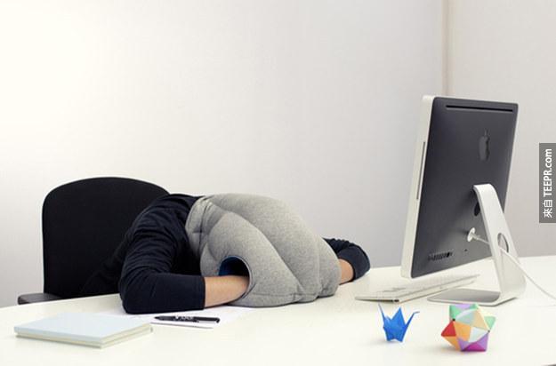 這29個辦公室用品會讓你你的每一個工作天更愉快。你如果在辦公桌吃飯的話,#1。