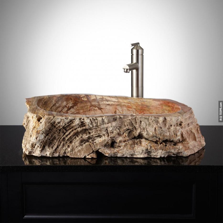 利用木化石做出來的漂亮洗手台。