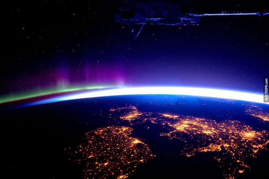 40. 英國和北極光
