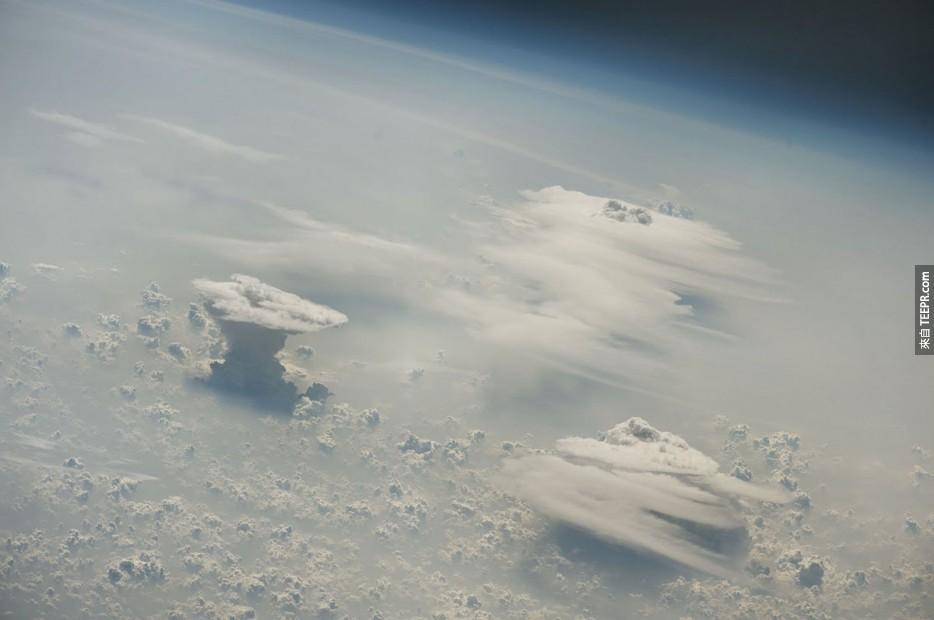 48. 尼日利亞上空的積雨雲