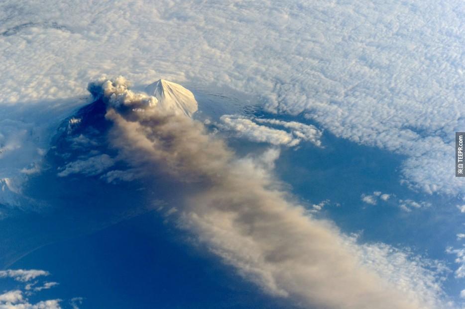 55. 阿留申弧的巴甫洛夫火山爆發