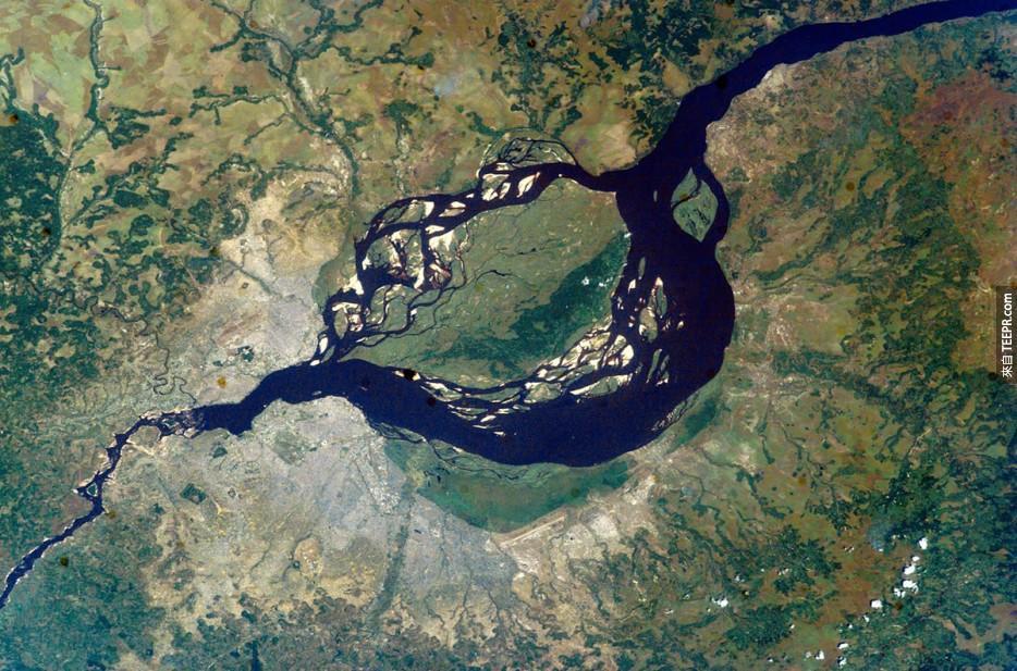59. 布拉柴維爾,金沙薩,剛果河