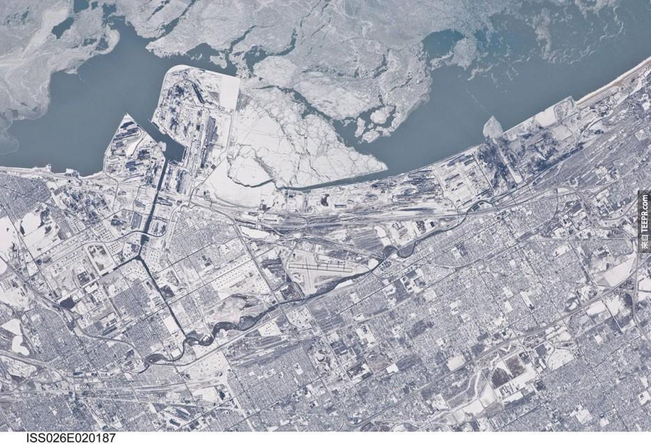 6. 積滿雪的芝加哥