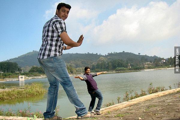 34.) Please don't push me! -Yealgiri, Tamil Nadu, India