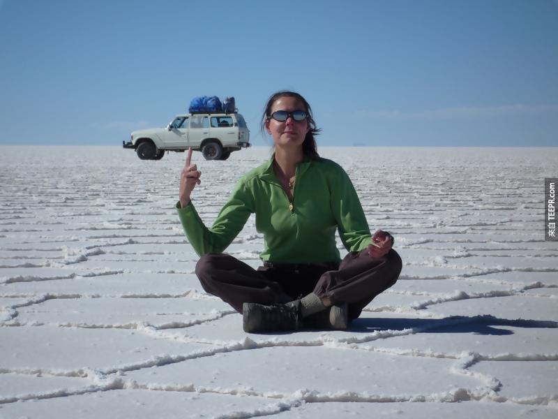 5.) I wish I was that strong. - Salar de Uyuni, Bolivia