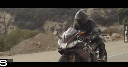 摩托車騎士,這就是你夢寐以求的「未來安全帽」。路上再也不會出差錯了!