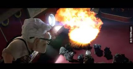 《天外奇蹟》如果是《變形金剛》導演麥克貝導的話,裡面會充滿讓你HOLD不住的爆炸劇情。
