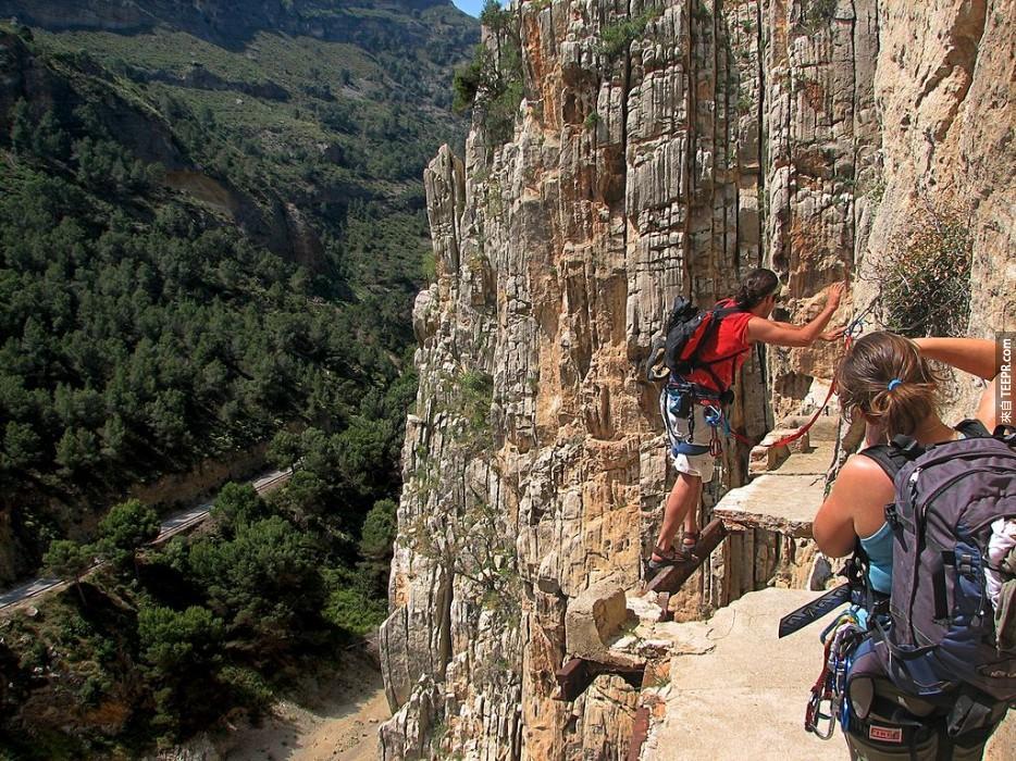 登上世界上最危險的步道:馬拉加(Malaga)西班牙(Spain)。