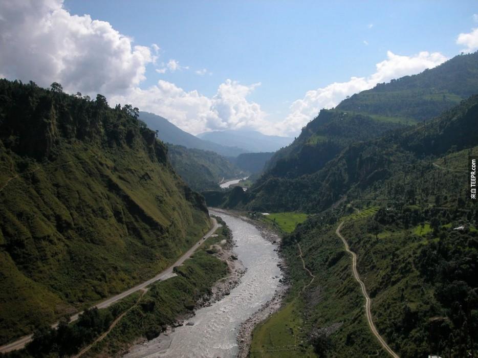 到甘達基河(Kali Gandaki River)泛舟:尼泊爾(Nepal)。
