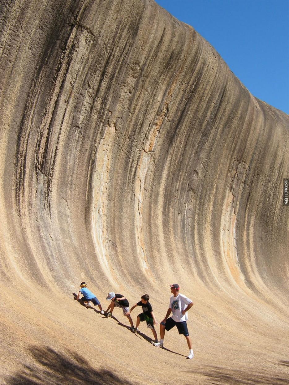 你一定會想要在這個位在澳洲的石波浪上面衝浪。