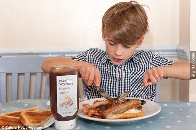 於是,全新的Waitrose棕醬包裝就在全英國上架了!