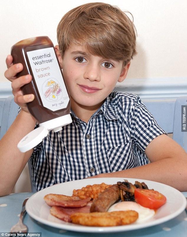 沒想到,Waitrose超市真的回信給Harry,同意他的說法並決定採用他的圖案。超市將他的圖片使用在產品的標籤上,然後在全國的超商上架,在一定的時間內販售這款Harry特製標籤的棕醬。