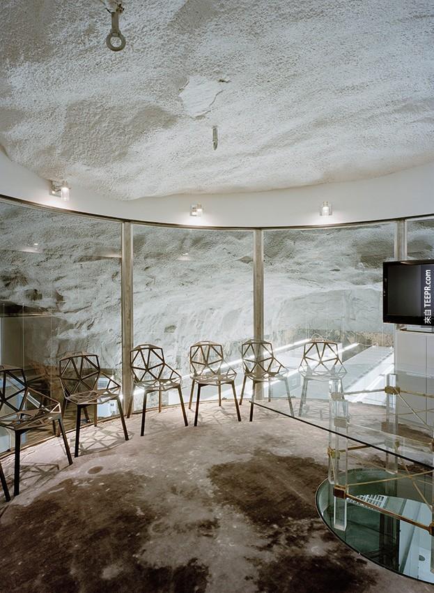 這不是一個地底30公尺的邪惡基地。你一定要看看裡面有多酷!