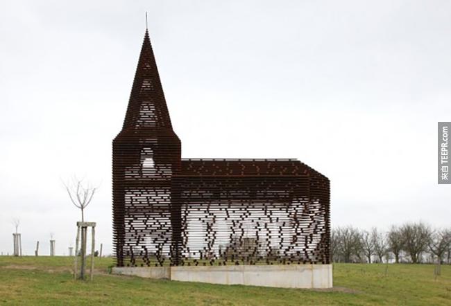 走幾步,這個教堂怎麼忽然消失了?!