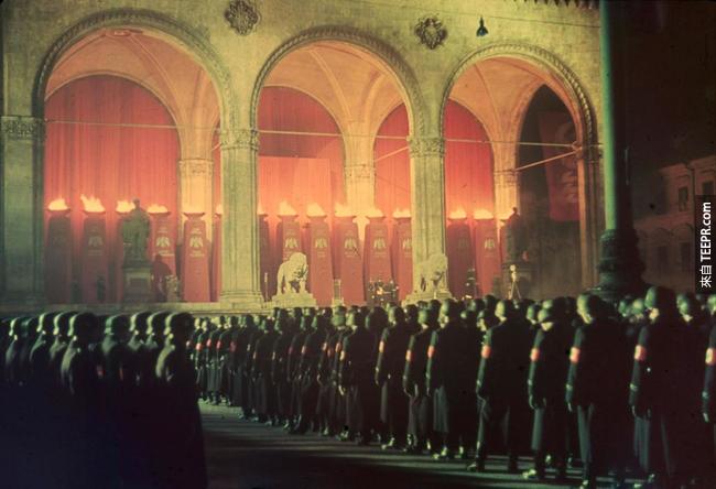 6.) 納粹黨軍隊在慕尼黑宣誓忠誠,1938。
