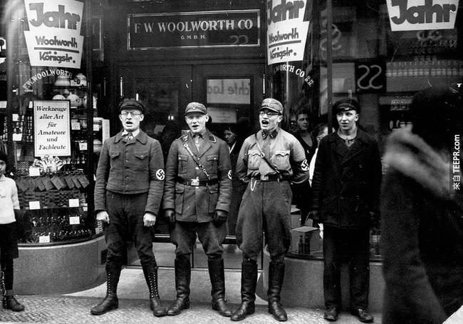 3.) 納粹黨正在對人民唱歌,希望大家積極抵制猶太人商店,1933。