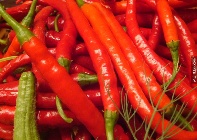 2. 辣的食物:如果你胃痛,那請不要吃辣的東西。但如果你有鼻塞,辣的東西會紓緩鼻腔內的充血狀況。