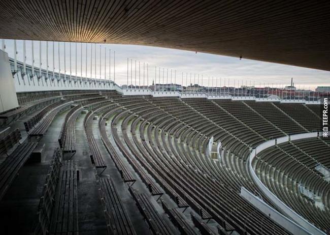 1952年夏季奧運體育場,芬蘭赫爾辛基(Hellsinki, Finland)。