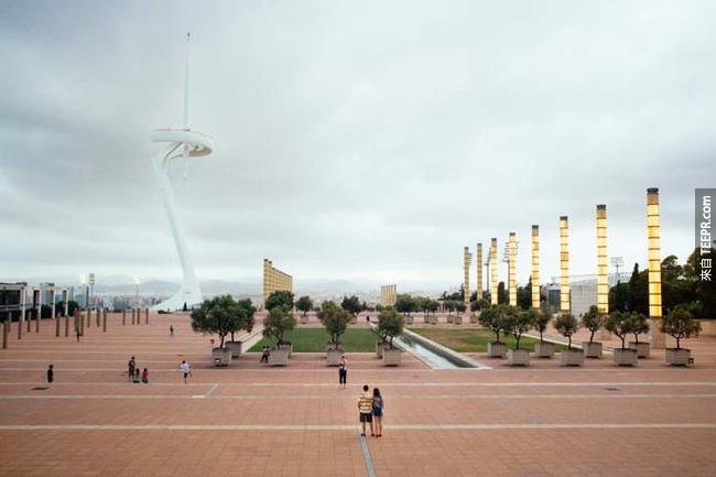西班牙巴塞羅那(Barcelona, Spain)的前電視塔,建於1992年的夏季奧運,至今仍在使用。