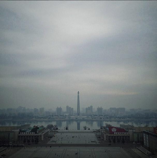 主體思想塔,為了慶祝金日成70歲大壽而建的。