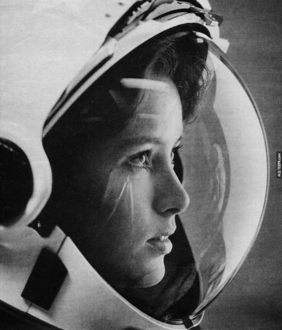 Anna Fisher第一位進入太空的女性。(1980年代)