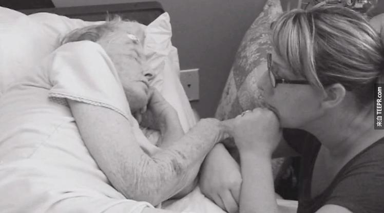 這對情侶廝守62年,連離世的時候也一起走。他最後說那句話讓我忍不住哭出來了!