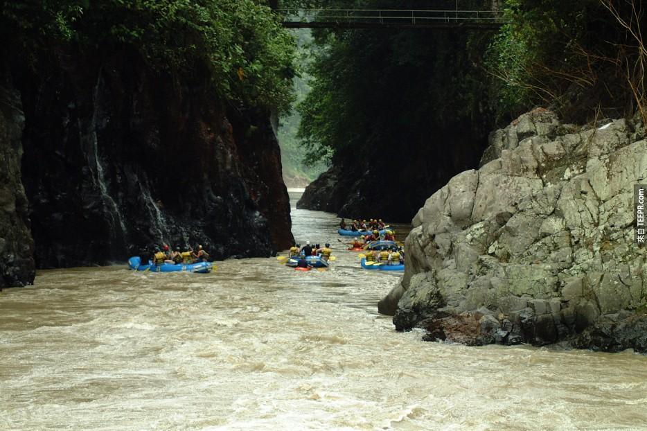 河中探險:哥斯大黎加(Costa Rica)。