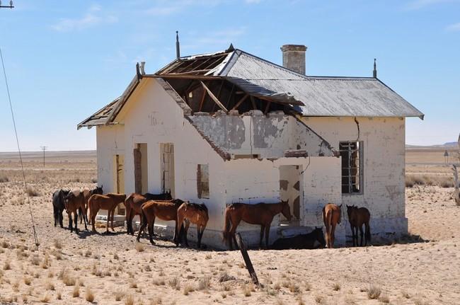 卡曼斯科,納米比亞境內的一座廢棄城市(鬼鎮)