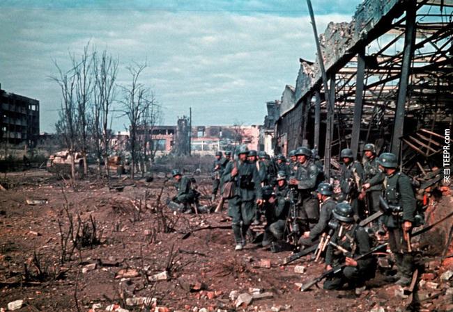 22.) 納粹軍隊已經準備好攻擊史達林格勒,1942。
