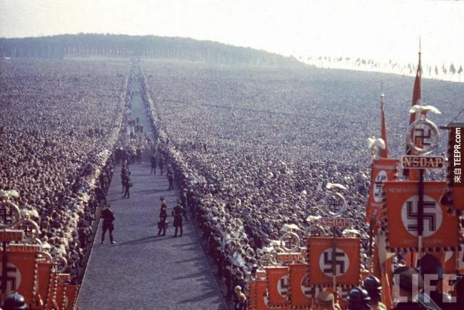 2.) Nazi celebration in Buckeberg in 1934.