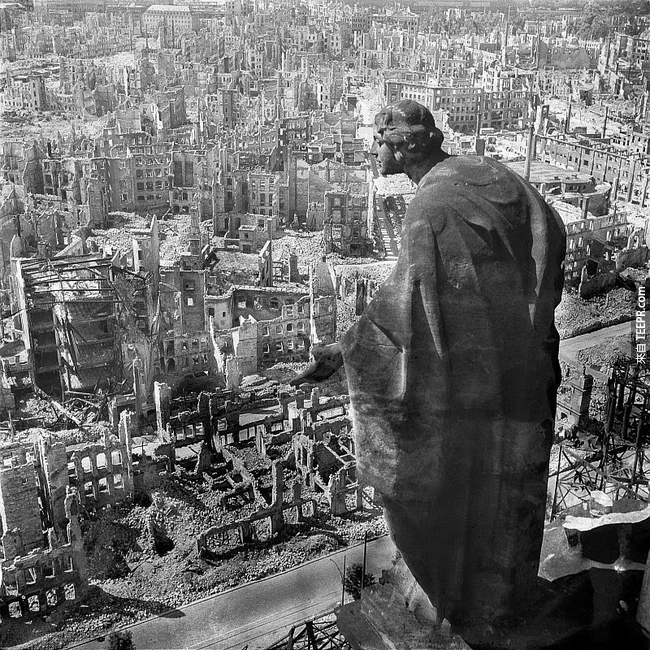 34.)  二戰後,東德城市Dresden 毀滅了。