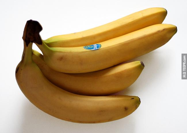 8. 香蕉:香蕉富含鉀,可以幫助因感冒流汗而流失補充電解質。