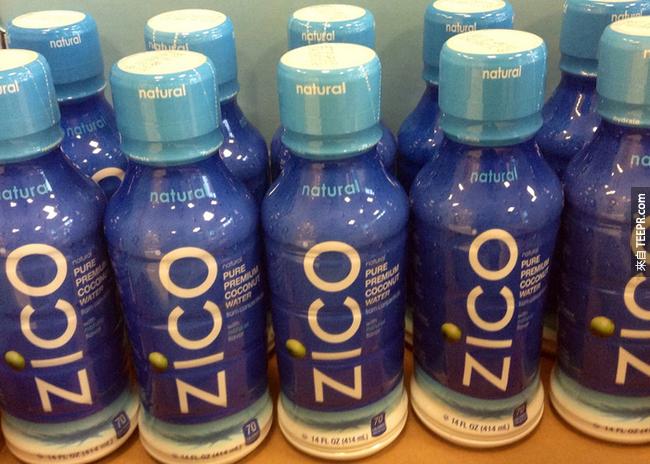4. 椰子水:椰子水比含有很多化學成分的運動飲料還要好。是個補充電解質的天然好物。