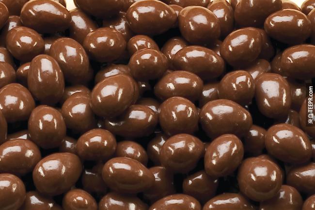 1. 比起咖啡、茶、或其他提神產品,巧克力的咖啡因是相當少的。