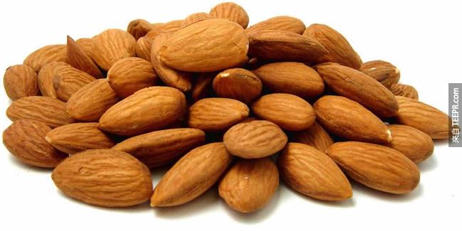 5. 世界上40%的杏仁被用於巧克力製品當中。
