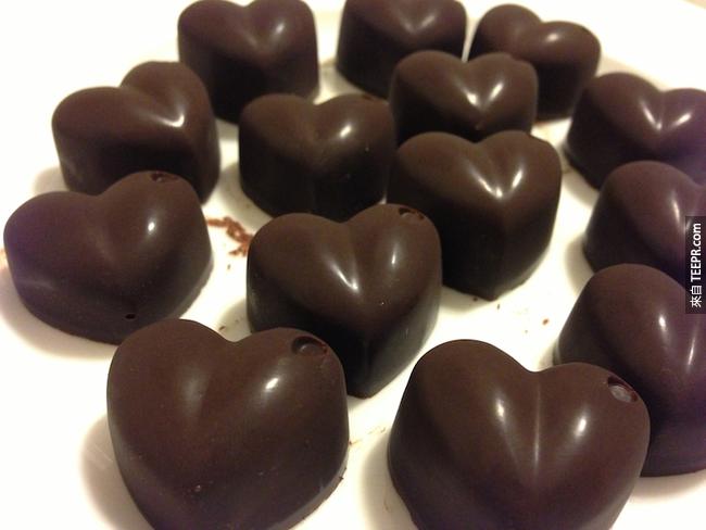 2. 巧克力是天然的止痛劑。