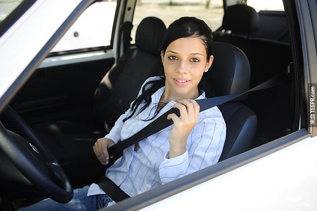 11.) Volvo,被稱為是全世界最安全的汽車之一。它們發明了三層安全帶,並且給予大家使用安全帶的免費許可證。