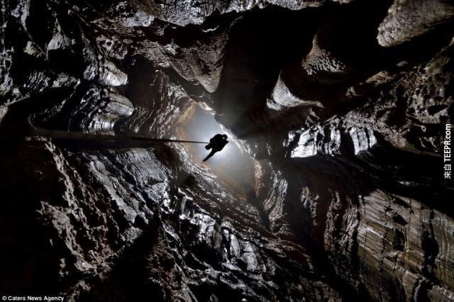 這些洞穴龐大到有它們自己的天氣系統!
