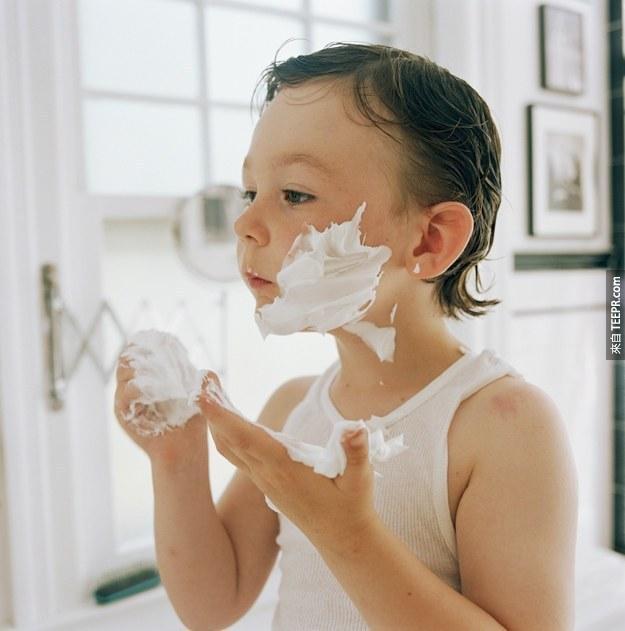 21. 讓你的刮鬍泡多停留個5分鐘。