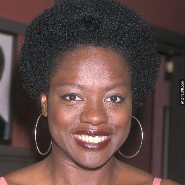 12. 薇拉·戴維絲(Viola Davis) 2001 (36歲)
