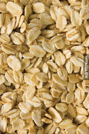 4. 燕麥有很多改善皮膚的維生素B。