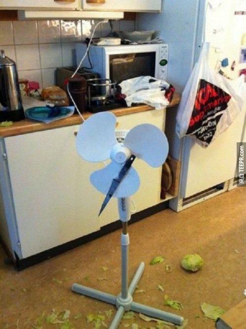 動手做一台全自動的切菜機!你瞧,效果多好。
