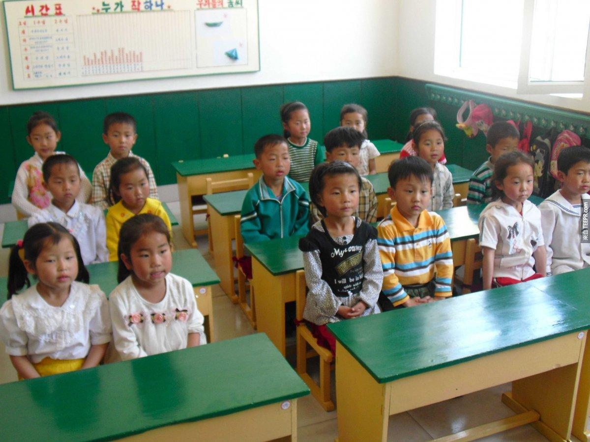 北韓有 100% 的識字率。