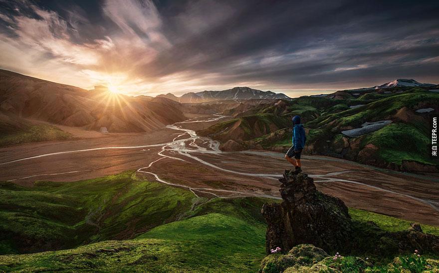small-man-grand-nature-landscape-photography-13